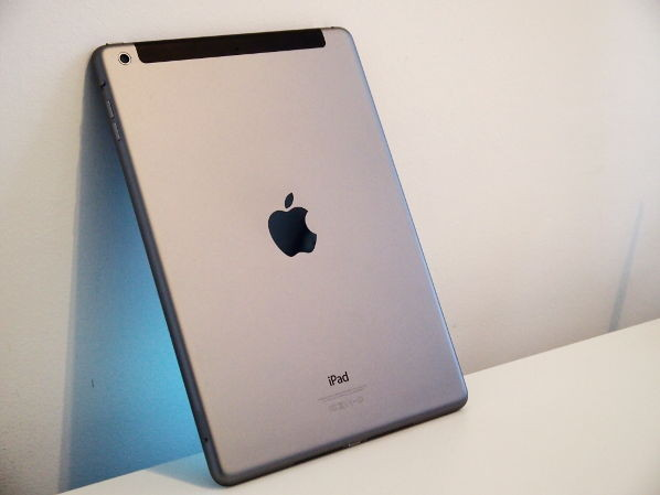 Achterzijde van de iPad Air