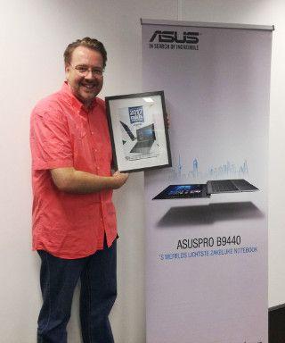 Dirk-Jan Hartog, ASUS, neemt de MKB Proof Award in ontvangst