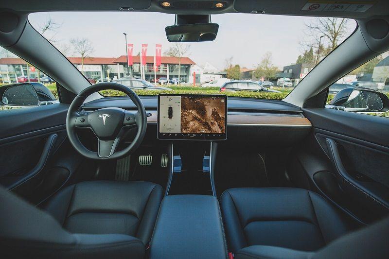 automotive, software, elektronische voertuigen, EV, softwareleveranciers, technische innovatie, cloud